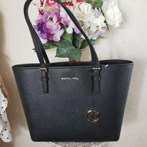 Michael Kors Bags - Michael Kors Jet Set Travel Medium Black TOTE